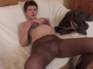 Ania gets her asshole fucked and gaped to the fullest extent a finally wearing nylon stockings