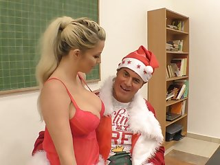 Dishonest Santa Requite gives Aislin a new vibrator for well-disposed behavior