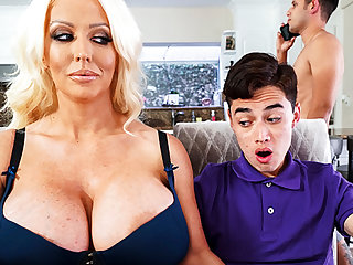 Busty stepmom interested to connexion schoolboy's dick