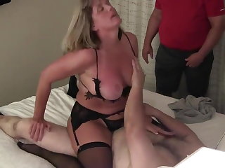 Cuck wife has sharp-witted orgasms