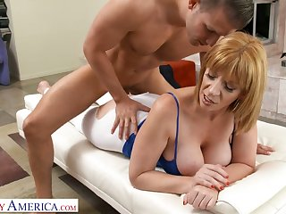 Eye catching cougar Sara Fribble with a play gets intimate with luring young fitness instructor