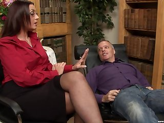 horny therapist Emma Breech decides to fuck with the brush handsome customer