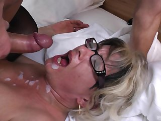Botos Zoltane adores when a distance from cum in will not hear of mouth after a blowjob