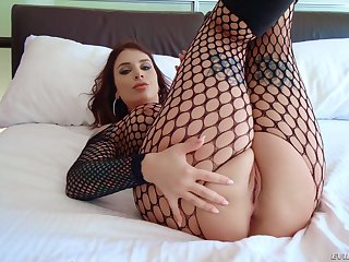 MILF Ivy Lebelle enervating fishnets handles two chubby black cocks