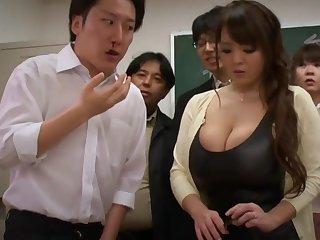 Big-Bosomed Asian Mature porn clip - hitomi tanaka